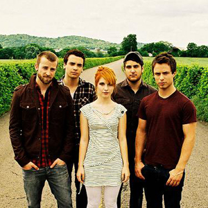 my Избранное band is... PARAMORE!!XD
