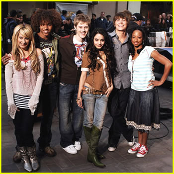 I luv Zac like WAOW!!! i luv Lucas equally!! n corbin is a gr8 dancer!! :).. So already dey are equal for me!! luv all of em!!