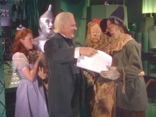 I adore The Wizard of Oz one of my fav films <3