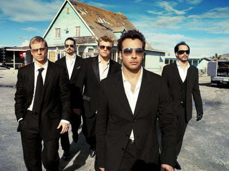 favorito! Singer ; arrendajo, jay Sean favorito! Band : Either the Backstreet Boys o Boys Like Girls.( = This is a picture of the Backstreet Boys....