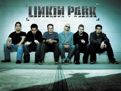 Linkin Park!!!!!!!!!!! They are flipping AWESOME! I amor them!