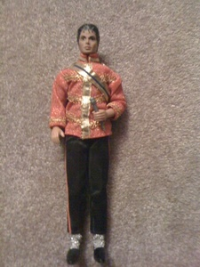 Yes i have an MJ doll it was my mom's doll auctally but she gave it to me on my 4th bday :)