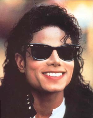 I would like to join! This is one of my preferito pictures of Michael, he's got such a gorgeous smile! =)