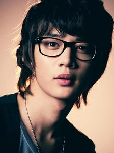 of course MINHO OPPA...