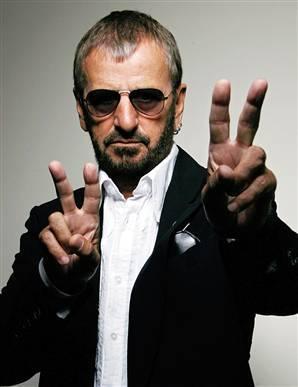 1) Ringo Starr, the Beatles 2) Heath Bar and Butterfinger 3) Mine, and the living room 4) Buzz Lightyear 5) rosine Bran Crunch 6) Weihnachten 7) Blue Hoodie, black rock 8) Ringo Starr, Paul McCartney 9) RandomDCE 10) Purple, Yellow, orange