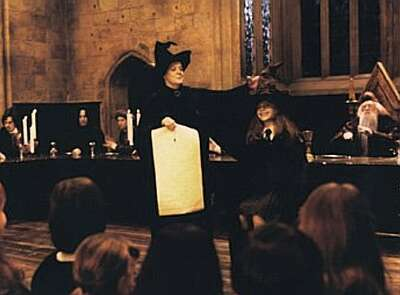 Was Anyone Else REALLY Annoyed That There Was No Sorting Hat Song In Philosopher's Stone?