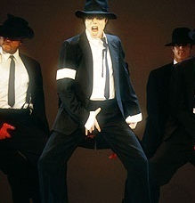 REMEMBER THE TIME & IN THE CLOSET !! <3 he is sooo sexy there!! and yesss Come together,Dirty Diana, Black atau white and the Dangerous break 1995 <3