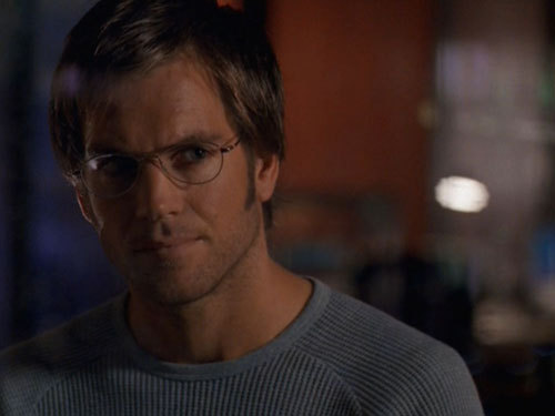 I think Micheal Weatherly off NCIS. He makes u think the ipakita is actually real. n hes sexy.