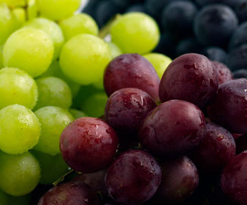 my favori fruit is grapes!!! YUMMY!!