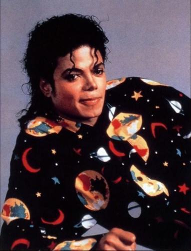 i love michael as hell....he's my breath and my life!! i love him more than anyone else in this world!! ANYONE!!! I CAN EVEN DIE FOR HIM!! that's all i wanna say. Michael knows how much i love him....he is a everything to me like a lover, a brother, a best friend, a mother, a child, a father, a teacher, my god!!! everyday i pray to him!! : ) i do love him more than my family members