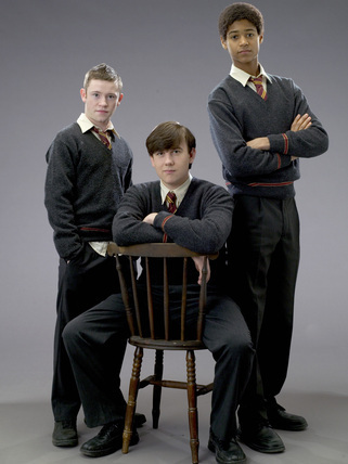 Nop!your not the only one I love Seamus and Dean!!!(and Neville too!!)