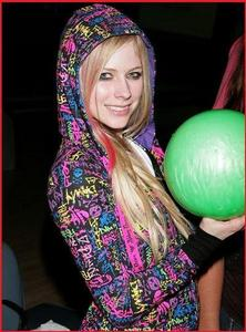 Theres so many pics of AVRIL!! but i think this one LOL!~