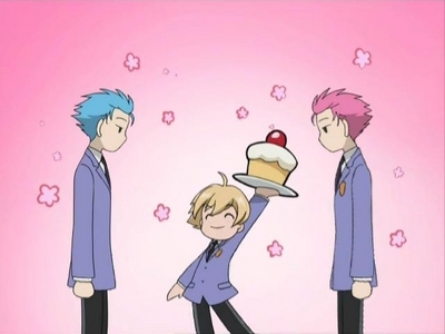 Happy Birthday! (even if it's early!) Honey-sempai is presenting 你 with CAKE!!!! XD
