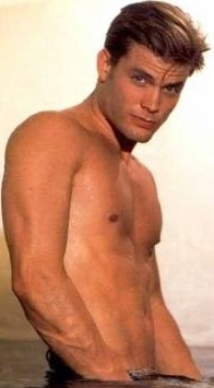 Casper furgone, van Dien, now he is hotty ^.-