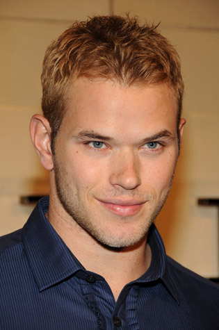 p.s. here's kellan lutz for those of you who don't know