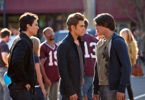 I want to hug 3 of the TVD - Damon, Stefan and Jeremy Gilbert :-)
