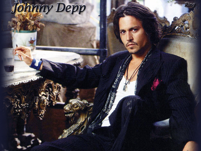 No contest: Johnny Depp. Because... he's Johnny-freaking-DEPP!! He's so versitile in his recitazione and the projects he does are so... there aren't even words that I can find to express my Amore for his films. Plus it doesn't hurt that he's HOT.