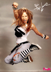 Avril Lavigne! ( Well i know she is right handed!) :) Tom crusie?