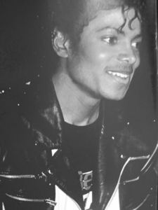 I amor absolutely everything about Michael!!!!! I amor so much his way of giving love, his kindness, I amor his smile, his beautiful eyes, his lips, his nose, his chest, his hands, his hair, his feets, his voice, his dance, his music,his hotness, his shyness, his way of having fun.. EVERYTHING about him!!!!!!!!!!!!!!