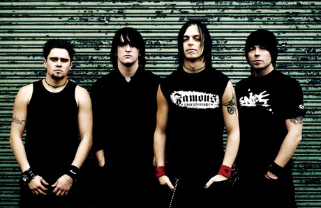 Hearts Burst Into fuoco da Bullet For My Valentine <33 I Amore that song!