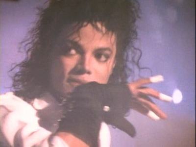 well I have many favorites.. it's very hard to choose just one video.. but if I really have to I choose Dirty Diana.. he's so hot!!! I 사랑 so much Come together, The way 당신 make me feel, Bad, Beat it, In the closet, Earth Song, Black 또는 white...