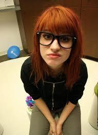 hayley williams wearing her nerd glasses:)
