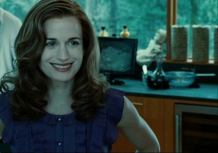 Yeah, I've noticed that too! Well, in the words of Bella; Purple's cool! :) She looks lovely in purple anyway! :D