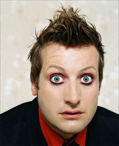 I'm scared of this guy, Tre Cool, the ঢাকি of Green দিন