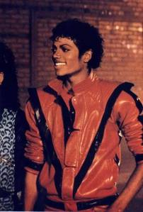 I 爱情 them!!!!!!!!! all are awesome.. specially the one of Thriller :) I 爱情 it so much! :)
