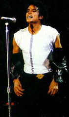 well in one of my dreams i was on stage hát and instead of my voice mj's came out...my other dream is the one bạn probaly already heard...if not here's the link...http://www.fanpop.com/spots/michael-jackson/answers/show/145327/craziest-funny-dream-ever