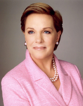 Julie Andrews. (The Sound of Music, Mary Poppins, ...) That's all I know of off the haut, retour au début of my head.