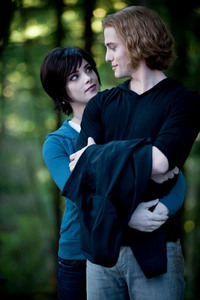 I know this isn't alice দ্বারা herself but I just প্রণয় this picture it's so sweet I প্রণয় Alice and jasper!!!<3