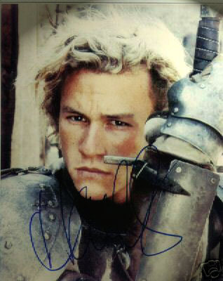 My crush has passed away. (Heath Ledger), but if he hugged me when he was alive...I would've fainted. <3
