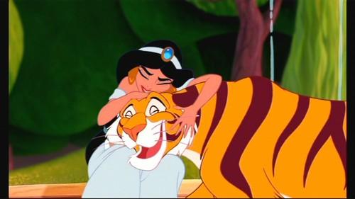 jazmín is my fav character:)But I like Aladdin,Iago and Rajah too^^