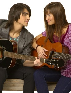 Definately JEMI!!!!! Their so cute. But Taylor squared is cute, too, but not as much as Jemi.