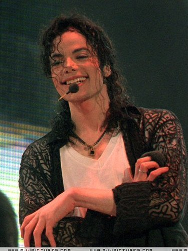 Yes, of course I do! And I will always be there for Michael and defend him! pag-ibig you Michael <3 MJ 4-ever, N' ever, N' ever.. <3