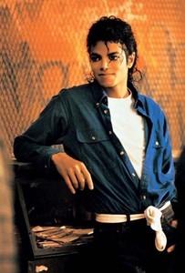 Haha Me To I Loveee Michael <3 I Have Mikegasm x]