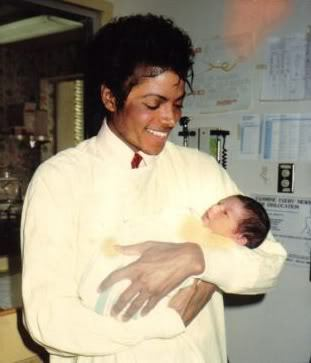 JUST LOOKING AT THAT SMILE....MAKES ME WANNA SCREAM :((...i can't belive that some people tried to bring him down in such a selfish way :((,they ruend everything and that stupid media...FUCK THEM.well i'm happy that michael is finnaly at peace,even if it hurts me at the same time.now he has another chance to finnaly be happy,in peace,like he always wanted....and he is free.it's e begining of a new completly difirent life,that's why god probably took him from this earth....wow this video is so emotinal,thank u for posting this :(( <3