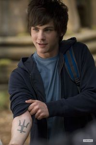 It is rumored that Logan Lerman (Percy Jackson, Gamer) might play the legendary web-swinger in the upcoming Spiderman reboot, do Ты think he'd be a good choice?