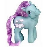 omg! please tell me this ponies name! i really want to know.