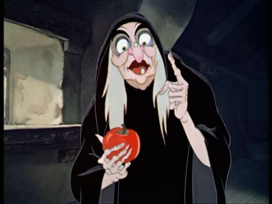 1.The Hag(Snow White and The Seven Dwarfs)