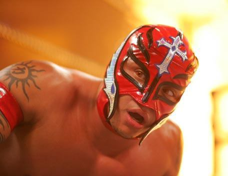 CM Punk's Vs. Rey Mysterio.....rey shaved punk's head...he was hidding his face....must watch match... AWESOME MATCH