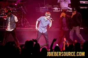 Justin Bieber Tickets Sale on Justin Bieber Tickets On Sale Next Week For Second Tour   Justin