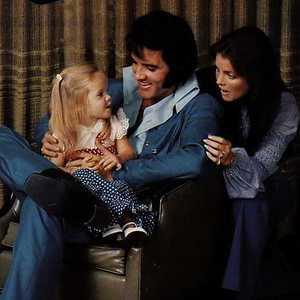 Presley<3