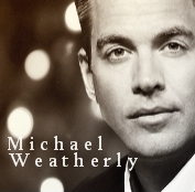 Micheal Weatherly is her paborito actor.