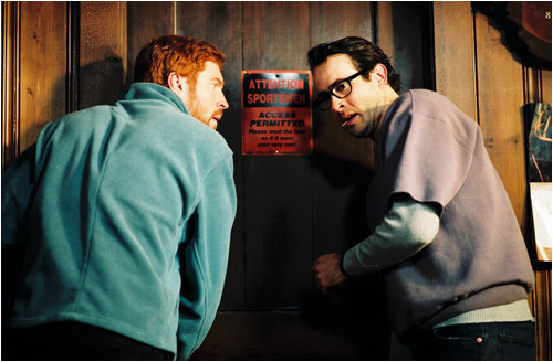 (Damian Lewis) and Beav (Jason Lee) worry about Rick