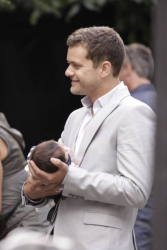 A baby on Fringe ! I just hope we don't see Walter playing with any baby guts