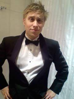 that is funny for those of 你 who do not no the awesome power of Russell Howard - YoutTube it!!!