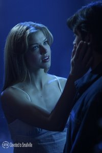 <a href=&#34;/site/go?url=http://devotedtosmallville.com/gallery/albums/episodestills/season3/322/322-22.