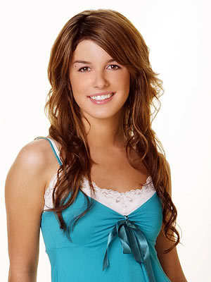 I think Darcy should come back, but they should use a different actress. Shenae is to good on 90210:)